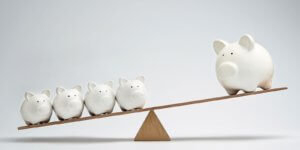 pigs on scale beneifits of offering customers free shipping